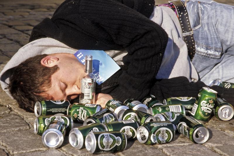 részegség és merevedés
