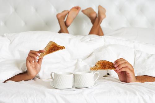 Ezért merev a pénisz reggelente (18+)
