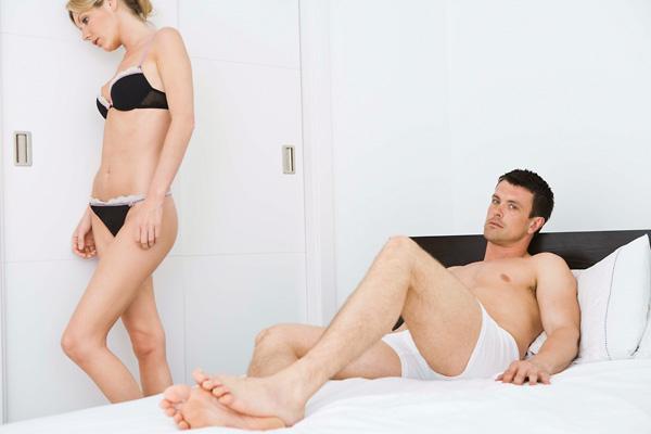erekció szexuális ingerlés nélkül