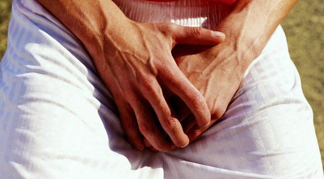 erekció során a fityma eltakarja a fejét